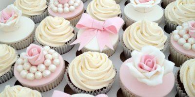 Kopia-słodki-bufet-candy-bar-wesele-w-kolorze-pidrowego-różu-ślub